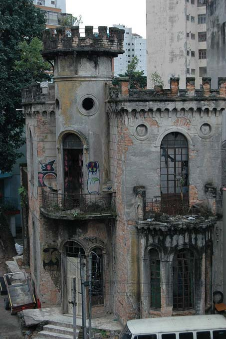 A horrible event took place at the Little Castle of Apa street and over the years it fell into disrepair.