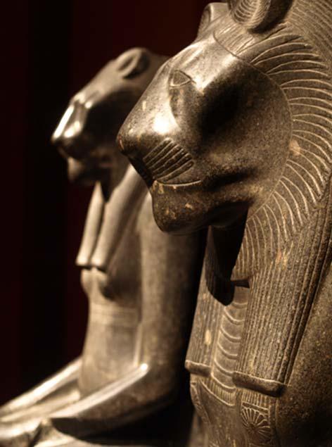 Adjacent statue of Sekhmet in profile Kunsthistorisches Museum, Vienna