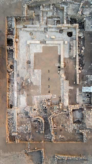 Aerial view of the synagogue and medieval public building. (Israel Antiquities Authority)