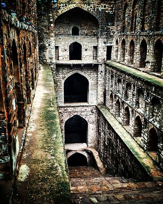 Agrasen ki baoli historical monument, flight of steps. (Souravmishra26 / CC BY-SA 4.0)