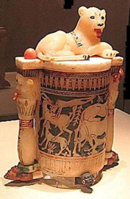 An 18th dynasty burial artifact from the tomb of Tutankhamun, an alabaster cosmetic jar topped with a lioness representing Bastet. (83d40m / CC BY-SA 3.0)