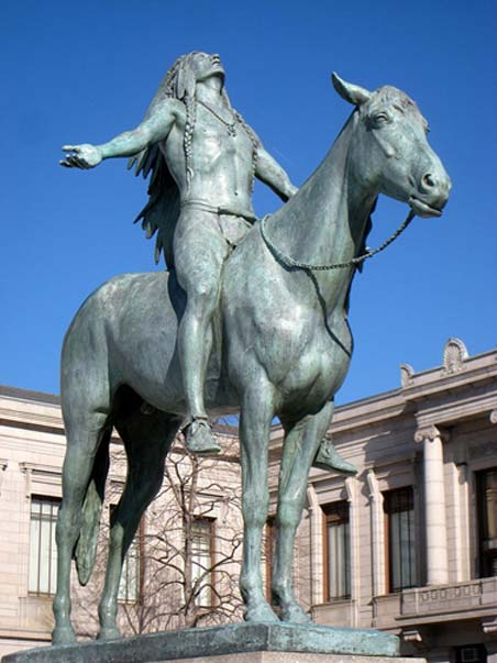 Appeal to the Great Spirit. Museum of Fine Arts, Boston, Massachusetts, USA. Sculptor Cyrus E. Dallin, 1909.
