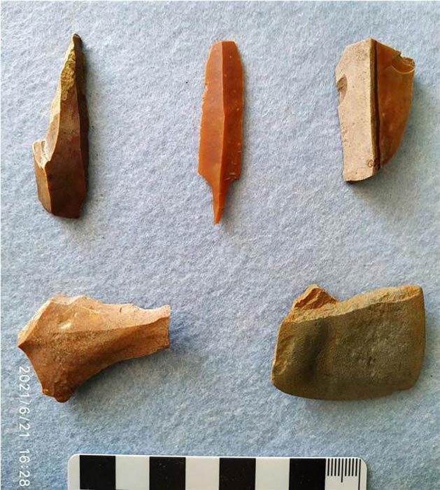 Archaeologists found numerous Mesolithic tools and weapons. (Institute of Archaeology RAS)