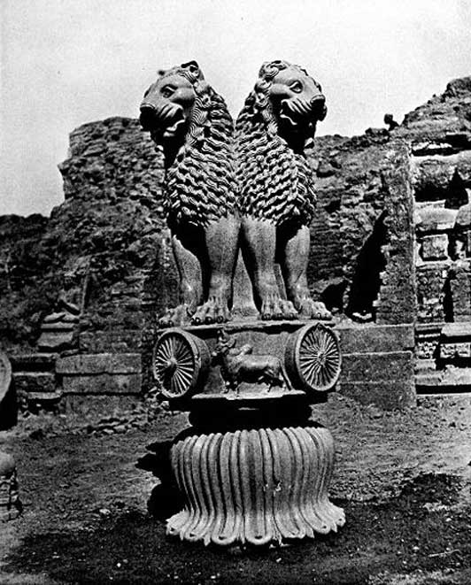 1911 photo of Ashoka lions at Sarnath.