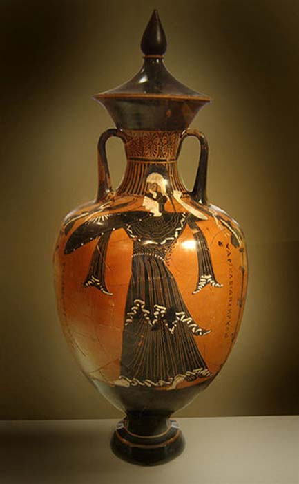 Athena depicted on a Panathenaic amphora, the National Archaeological Museum of Athens. (Cropbot / CC BY-SA 3.0)