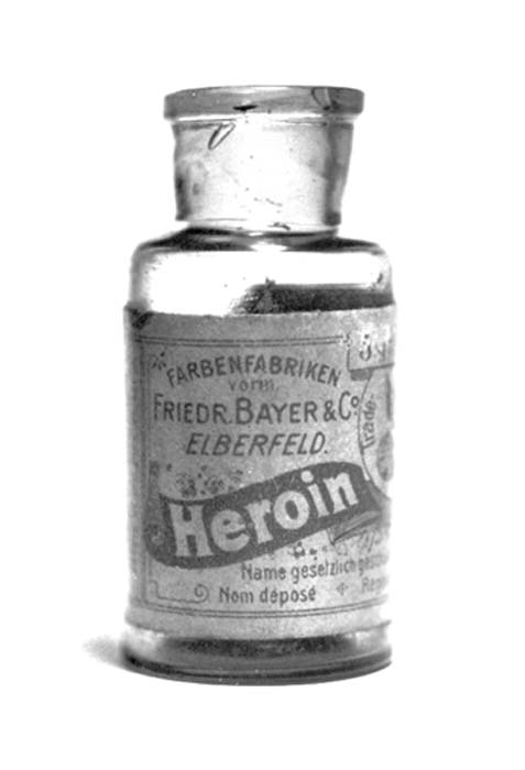 Bayer heroin bottle from the 1920's, originally containing 5 grams of Heroin substance. (Mpv_51 / Public Domain)