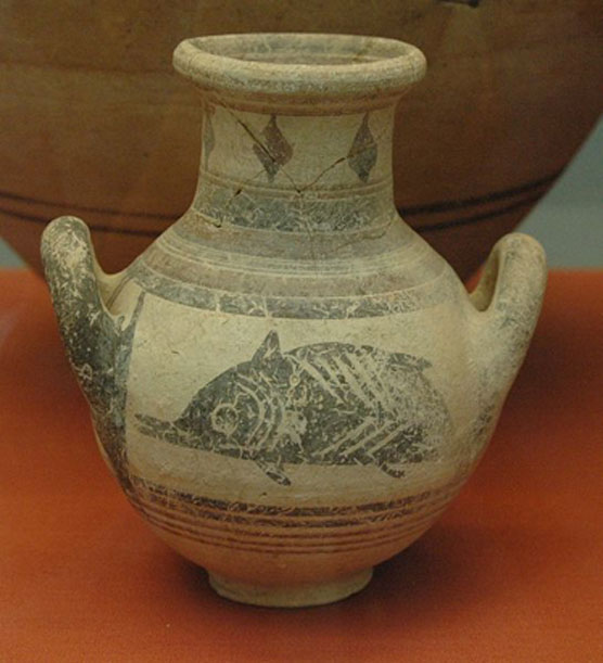 Bichrome amphora decorated on either side with a fish. Made at Amathus, 6th century BC.
