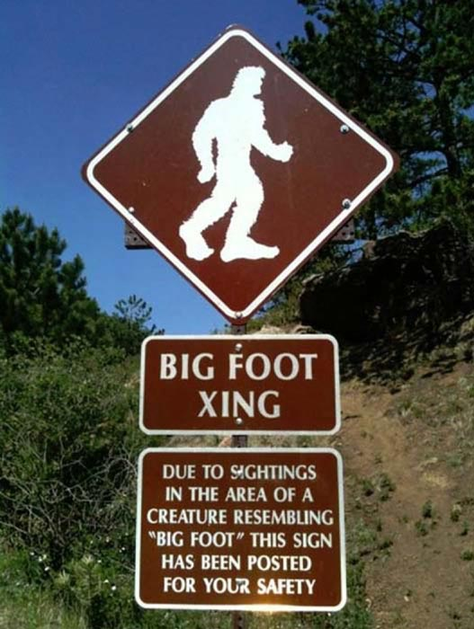 Bigfoot Sign on Pikes Peak Highway. ( CC BY SA 3.0 )
