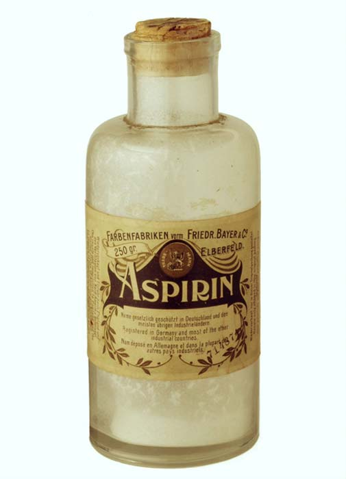 Bottle with aspirin, 1899. (Bayer AG / CC BY-SA 2.0)