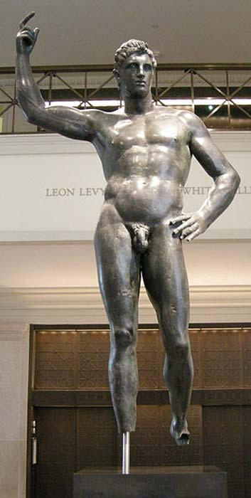 Bronze statue of a man. Mid-2nd-1st century BC.