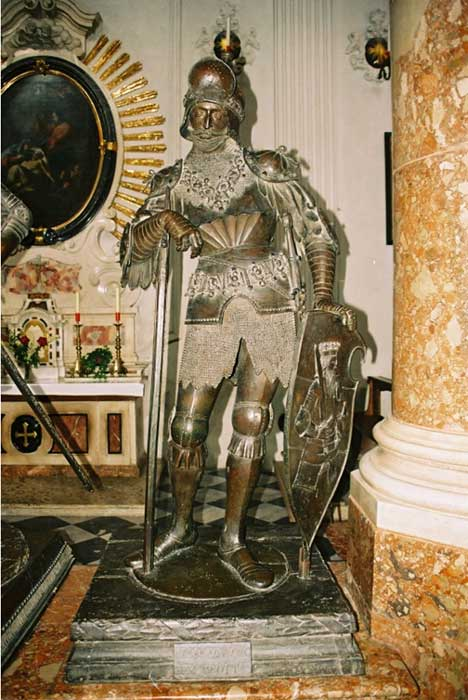 Bronze statue of Theoderic the Great.