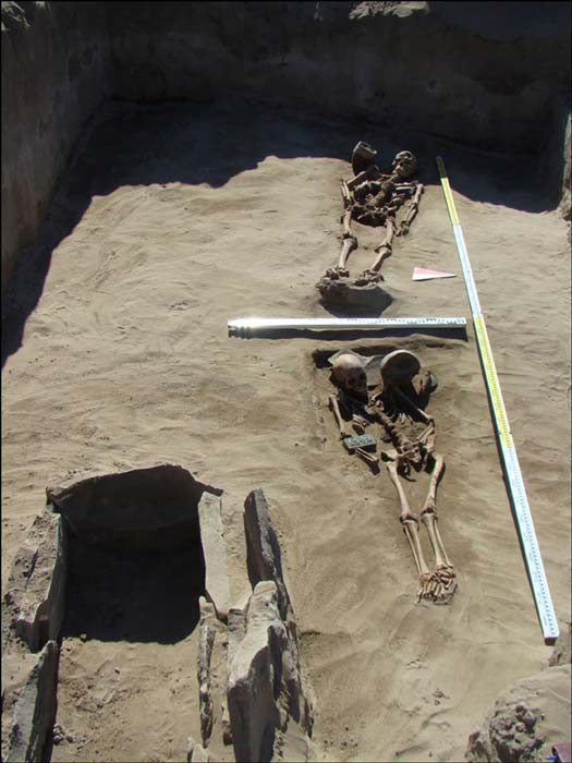 Burials in the necropolis of 80. Image: Marina Kilunovskaya