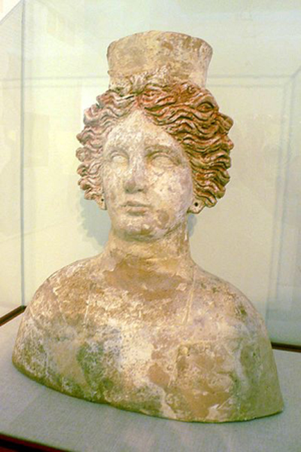 Bust of the goddess Tanit found in the necropolis of Puig des Molins. 4th century B.C. Museum of Puig des Molins in Ibiza, Spain. (Public Domain)
