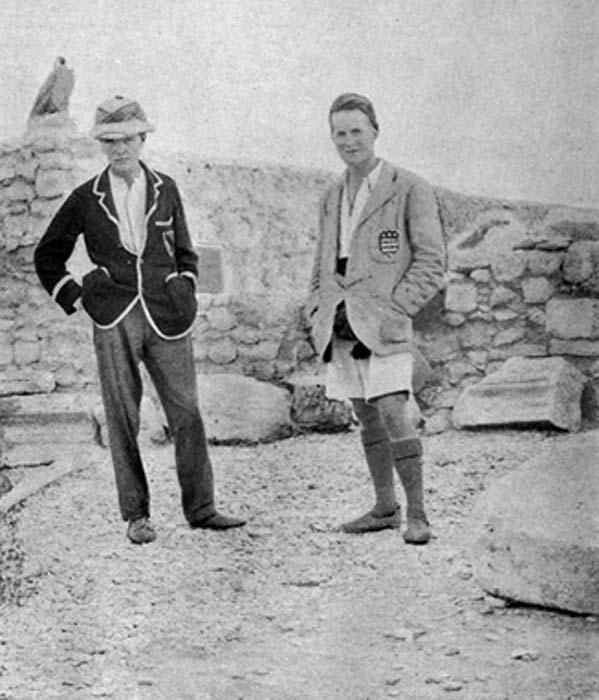 C. Leonard Woolley, left and T. E. Lawrence at archaeological excavations in Syria, circa 1912-1914, discovered the first museum curator - Ennigaldi-Nanna. (81BOB / Public Domain)