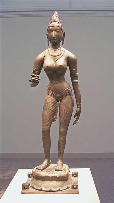 Chola bronze of Queen Sembiyan Mahadevi as the Goddess Parvati. (Thiago Santos/CC BY SA 2.0)