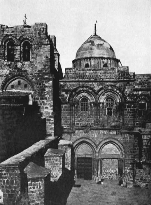 Church of the Holy Sepulchre in 1885. The Immovable Ladder is visible below the upper-right window. (A different ladder is silhouetted against the dome.)