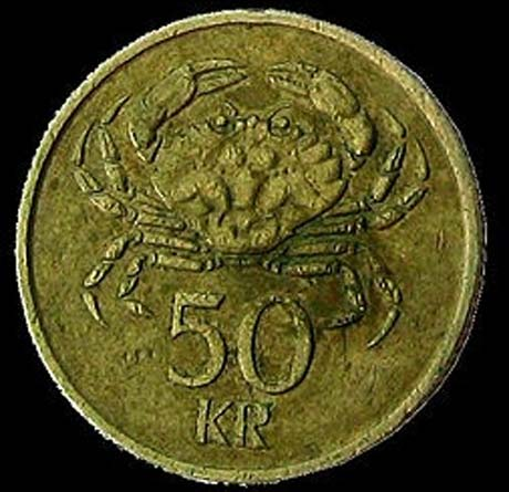 Coin of the Icelandic currency Krona (ISK) showing a shore crab. (Thorston Schmidt/CC BY SA 1.0)