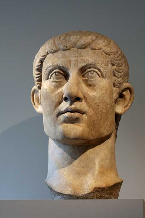 Colossal head of Constantine, from a seated statue: a youthful, classicizing, other-worldly official image