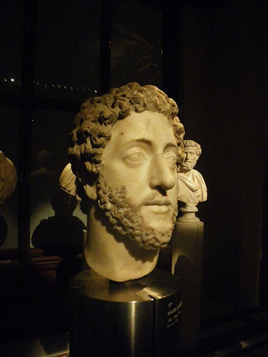 A bust of Commodus.
