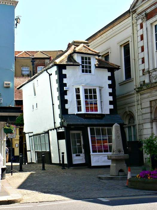 The Crooked House of Windsor.