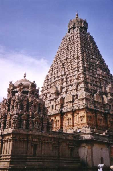 Detail of the main Vimanam (Tower) of the Great Temple at Thanjavur. (Public Domain)