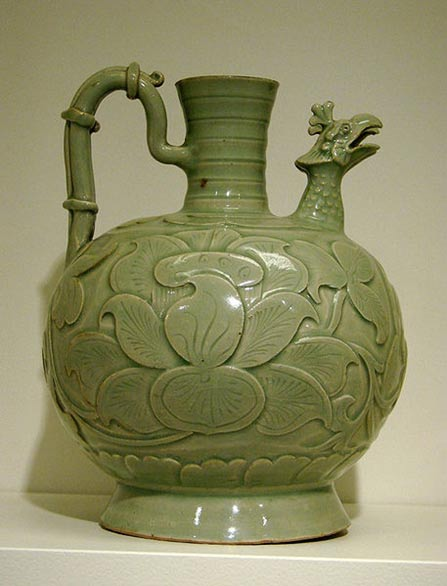 Double spout jug with phoenix shaped heads, North China, Shaanxi, Yaozhou. End of the Five Dynasties, the beginning of the North Song Dynasty, the second half of the 10th century. Gray sandstone celadon. Musée Guimet, Paris
