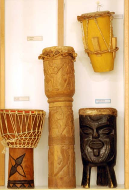Drums from Africa. (Magnus Manske / CC BY-SA 2.0)