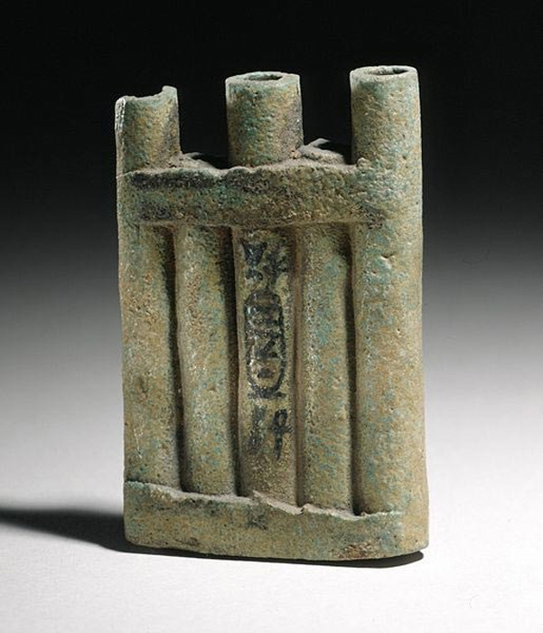 An 18th Dynasty Ancient Egyptian kohl container inscribed for Queen Tiye (1410–1372 BC).