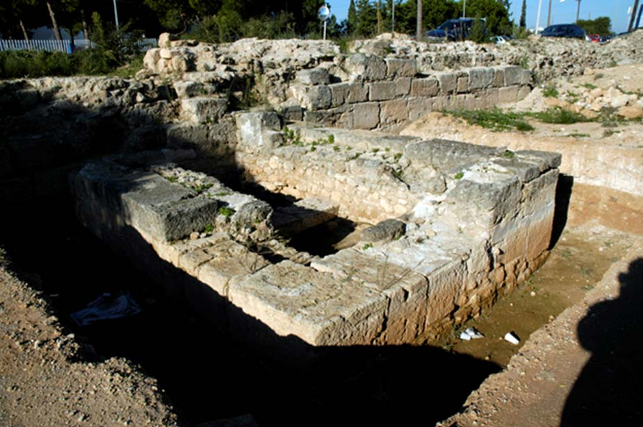 Excavation of the Hexamilion wall