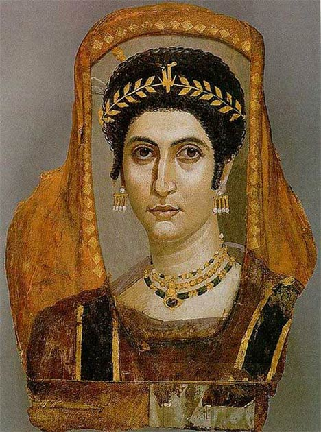 Two examples of Fayum mummy portraits showing the same kind of earring as the earring found at Deultum in Bulgaria. (Left: Public Domain; Right: Public Domain)