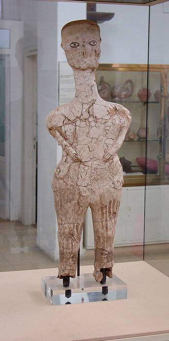 This Ain Ghazal statue, like so many others, spent a long time in the restoration rooms of prestigious museums, like the Smithsonian. (Michael Gunther / CC BY-SA 4.0)