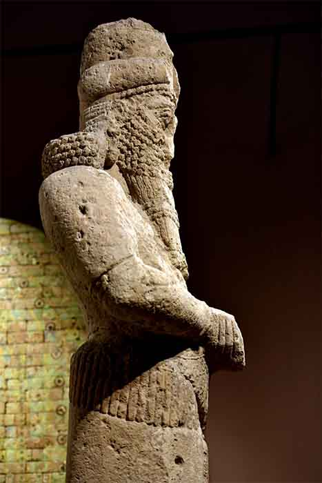 A giant statue to the god Nabu stood at the entrance of the Temple of Nabu in Nimrud, Iraq. It can be seen today at the Iraq Museum in Baghdad in Iraq. (Osama Shukir Muhammed Amin FRCP / CC BY-SA 4.0)