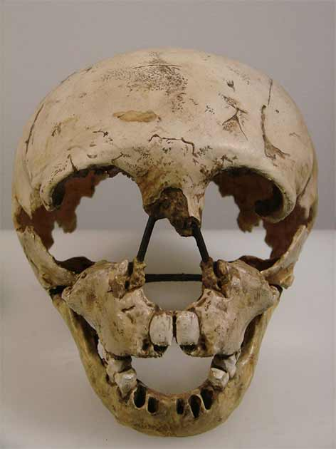 The Gibraltar 2 Neanderthal skull was discovered at the Devil's Tower Mousterian rock shelter. (Guérin Nicolas / CC BY-SA 3.0)