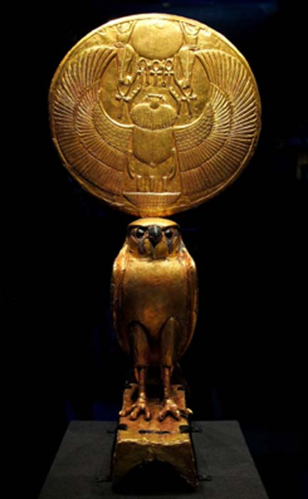 God Horus as a falcon supporting the solar disk in the name of Tutankhamun. (Siren-Com / CC BY-SA 4.0)