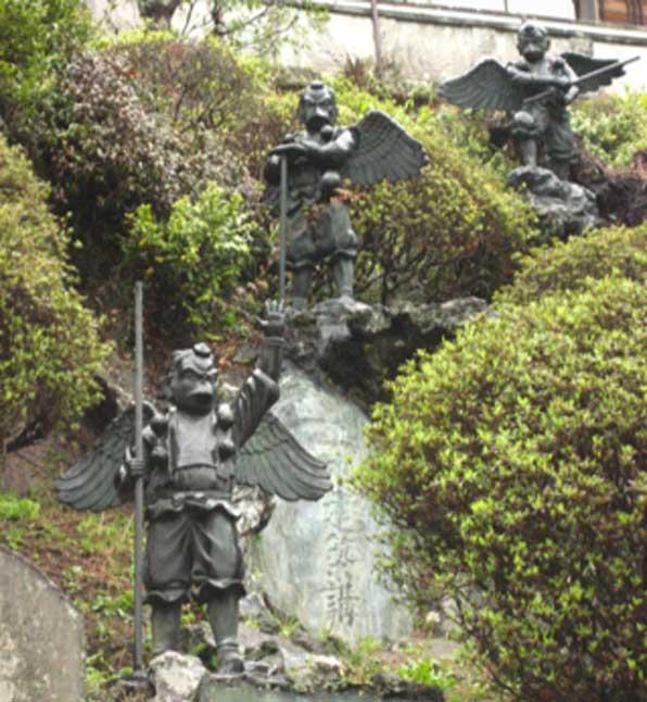 Here the Tengu guard the Hansobo shrine. (Mun Keat Looi / CC BY-SA 2.0)
