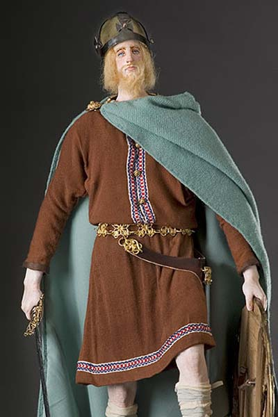 Historical Mixed Media Figure of Alfred the Great produced by artist/historian George S Stuart and photographed by Peter d'Aprix. (CC BY SA 3.0)