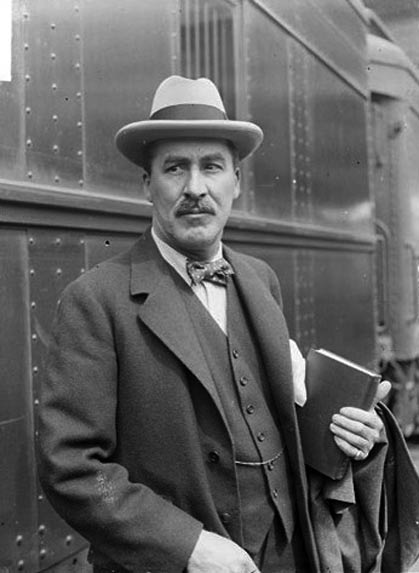 Howard Carter.