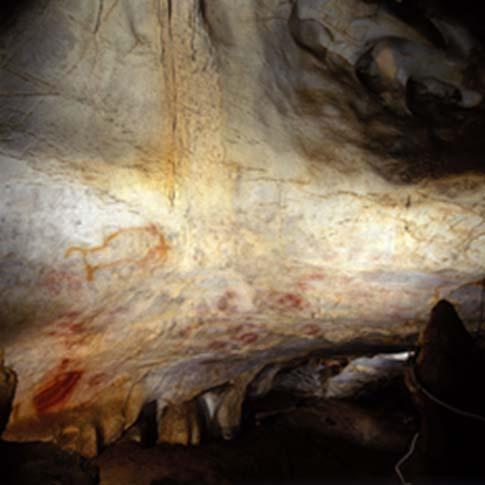 Interior de la Cueva del Castillo en Puente Viesgo, Cantabria (España). (CC BY-SA 3.0)