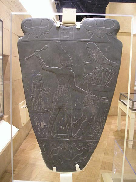 Cows appear on the Kings belt and the top of the Narmer Palette.