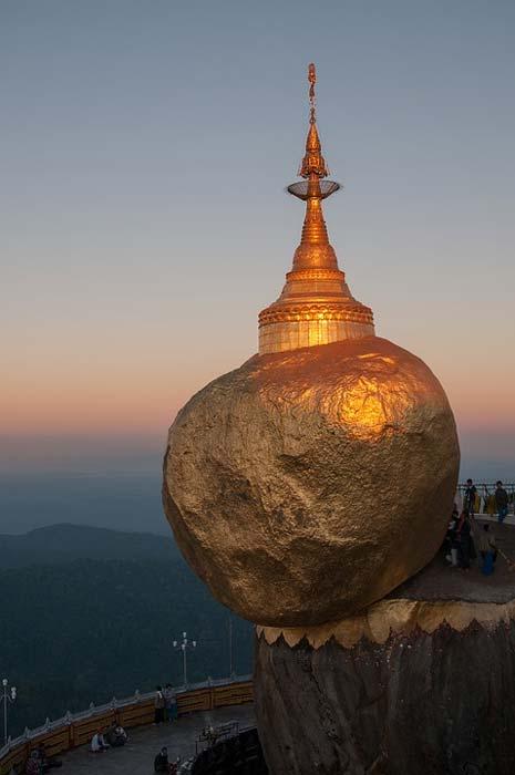Kyaiktiyo Pagoda.