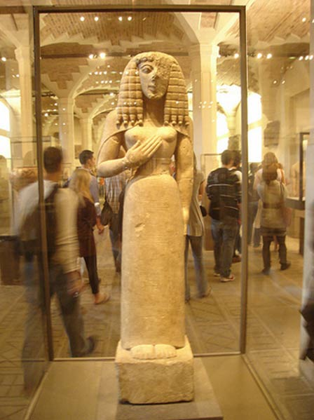 The Lady of Auxerre on display.