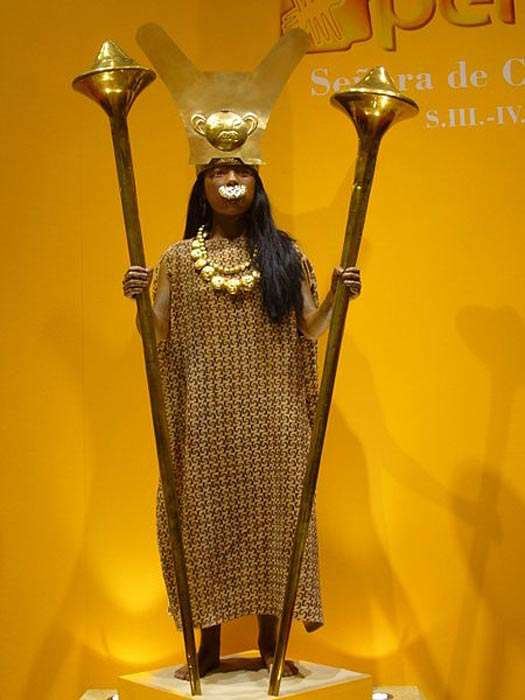Reconstruction of the 'Lady of Cao', a Moche priestess/ruler.