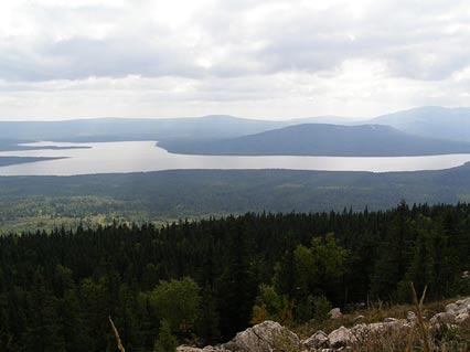 Lake Zyuratkul in the Ural Mountains - Los niños ayudaron a construir el Misterioso Geoglifo Moose de 6.000 años en Rusia