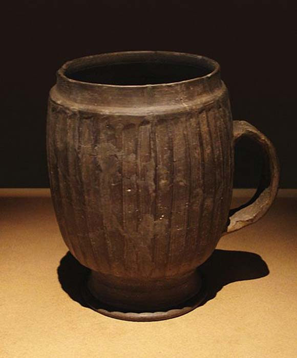 Late Neolithic Period (ca. 2500 - 2000 BC) large gray mug of the Henan Longshan Culture.