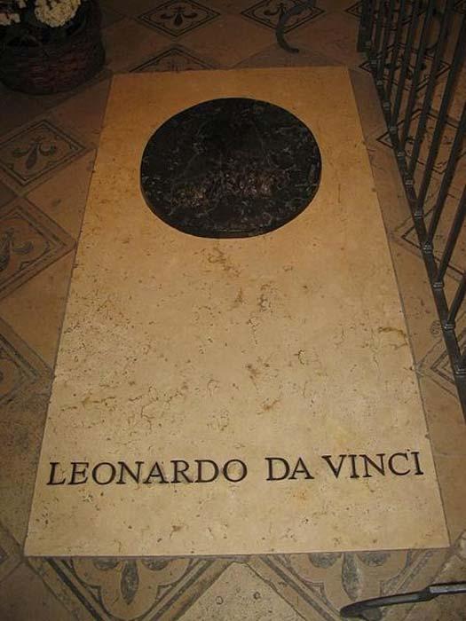 Leonardo da Vinci's Tomb in Saint-Hubert Chapel (Amboise).