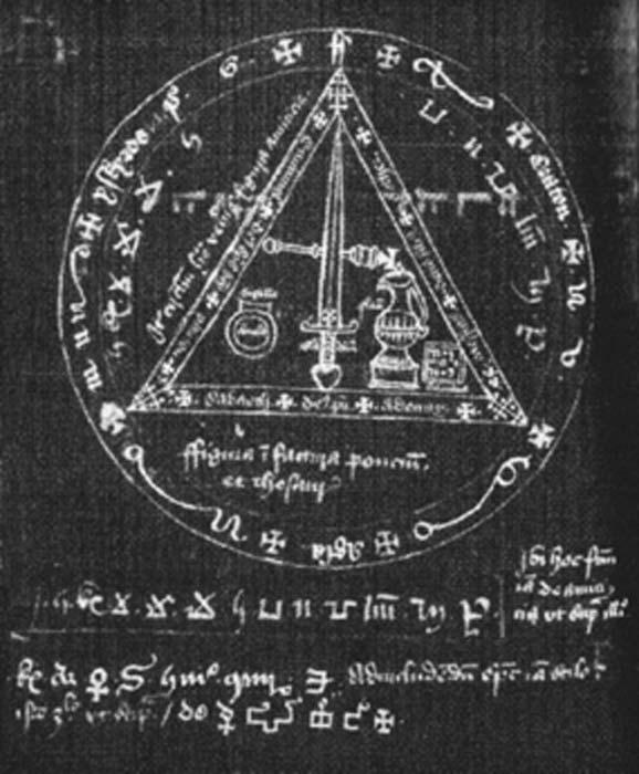 Magic circle from a 15th century manuscript. (Katie.currier19 / Public Domain)