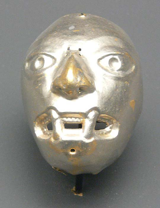 Mask made from platinum, Ecuador, La Tolita, c. 200 BC – 800 BC; Ethnological Museum, Berlin, Germany.