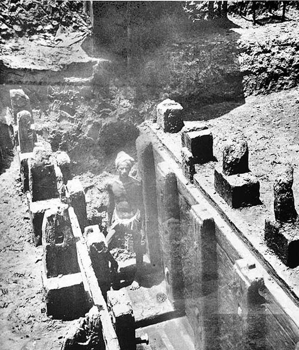 Mauryan remains of wooden palisade at Bulandi Bagh site of Pataliputra. (Public Domain)