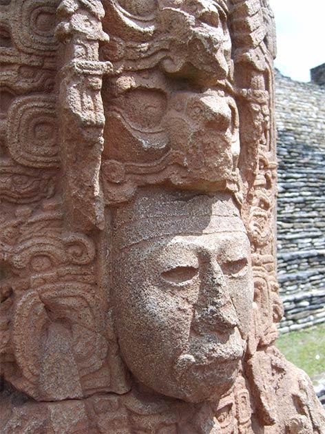Maya stela representing a 6th century king. (Simon Burchell / CC BY-SA 3.0)
