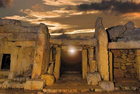 Mnajdra Lower Temple, Equinox sunrise